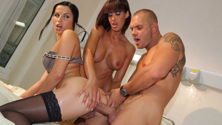Yasmine, Renata Black et Nacho Vidal - The Nurse - Marc Dorcel