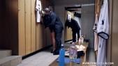 Lola Rêve sodomisée dans les vestiaires du stade de Foot 3