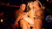 Gina Gerson : Double pénétration hard pour la strip-teaseuse  3